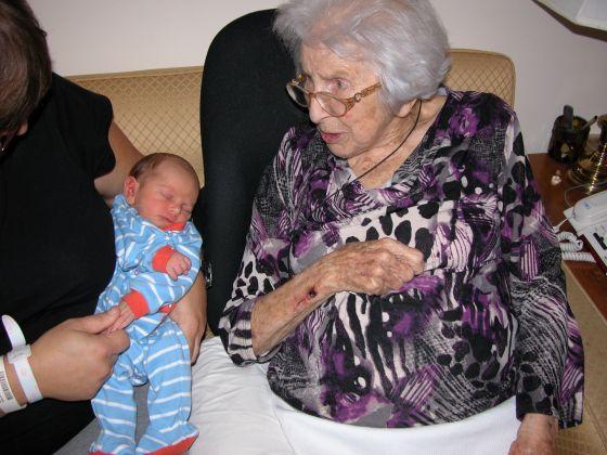 EN et Grand-maman